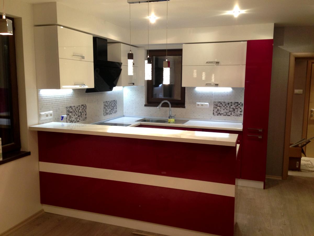 Кухненско обзавеждане - Бяло и гланц Бордо