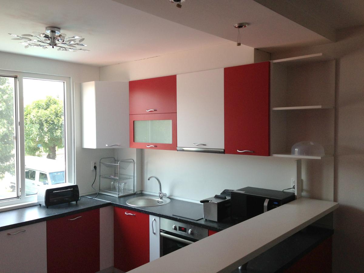 Кухненско Обзавеждане - Червено и бяло