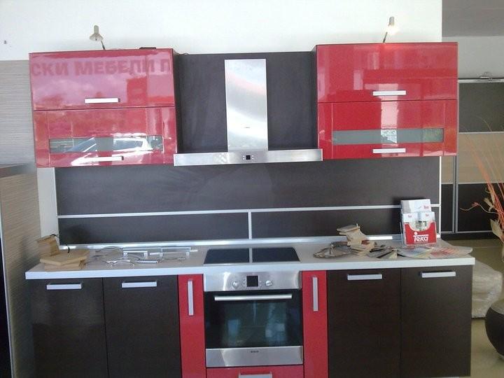 Кухненско обзавеждане - Венге и червен гланц