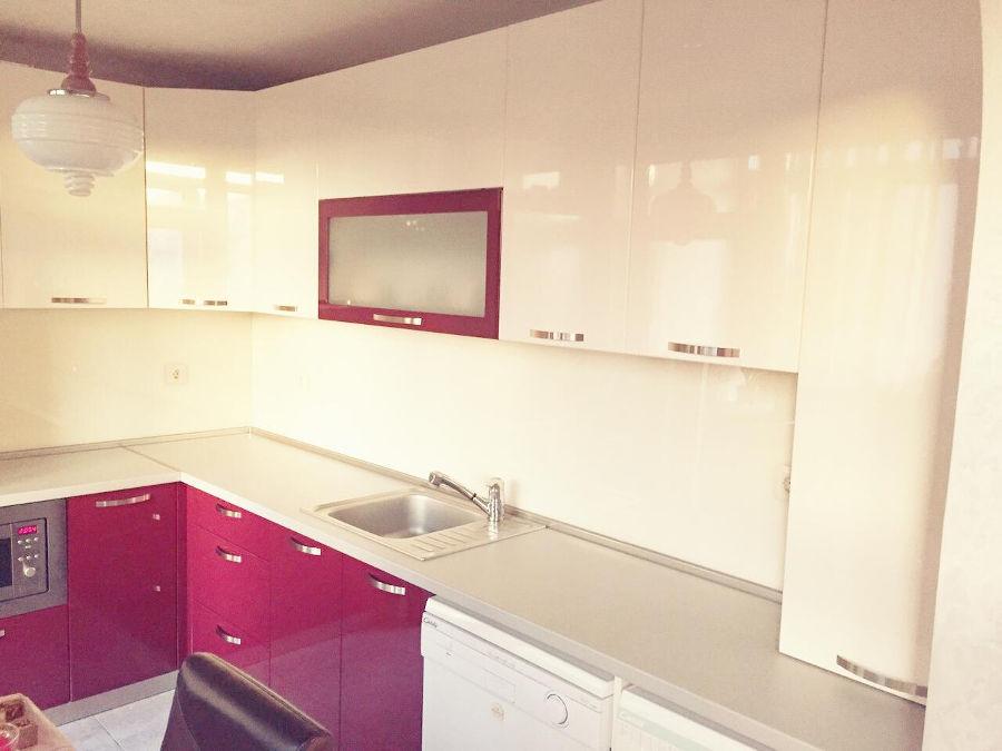 Кухненско обзавеждане - Бордо и крем