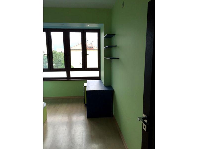 Обзавеждане за детска стая - Синьо и ябълково зелено