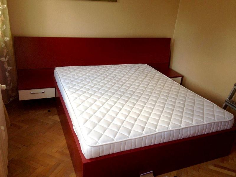 Спално обзавеждане - Бордо и бял гланц