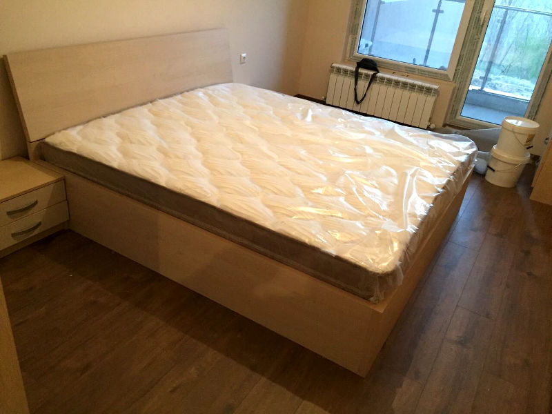 Спално обзавеждане - Дъб Кремона и пясъчно бежаво